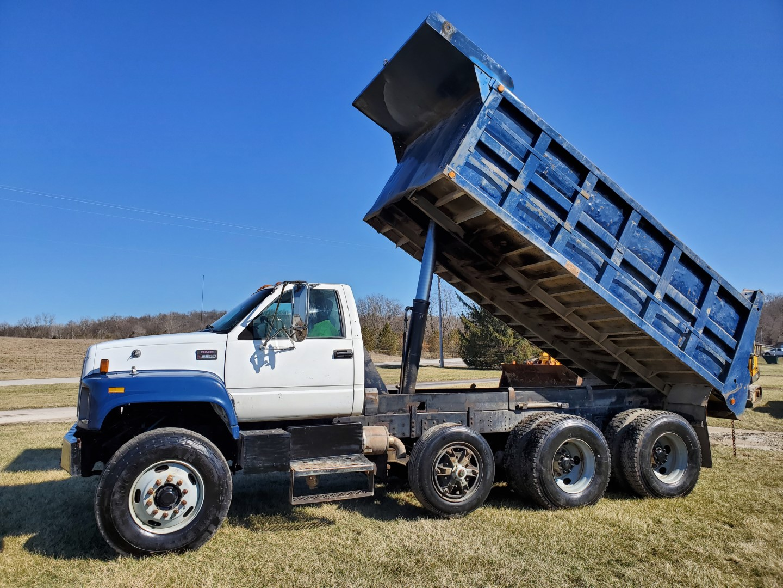 2002 GMC C 8500 16' Tri Axle Dump Truck w/ Steerable Lift Axle, Auto, Cat C7, 16' Steel Dump Bed - Image 22 of 26