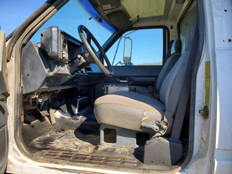 2002 GMC C 8500 16' Tri Axle Dump Truck w/ Steerable Lift Axle, Auto, Cat C7, 16' Steel Dump Bed - Image 14 of 26