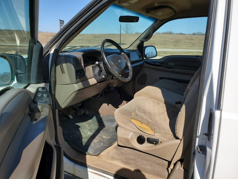 Lot 15 - 2000 Ford F-250 Super Duty 4 x 4 Super Cab Service Truck w/ 8' Reading Utility Body
