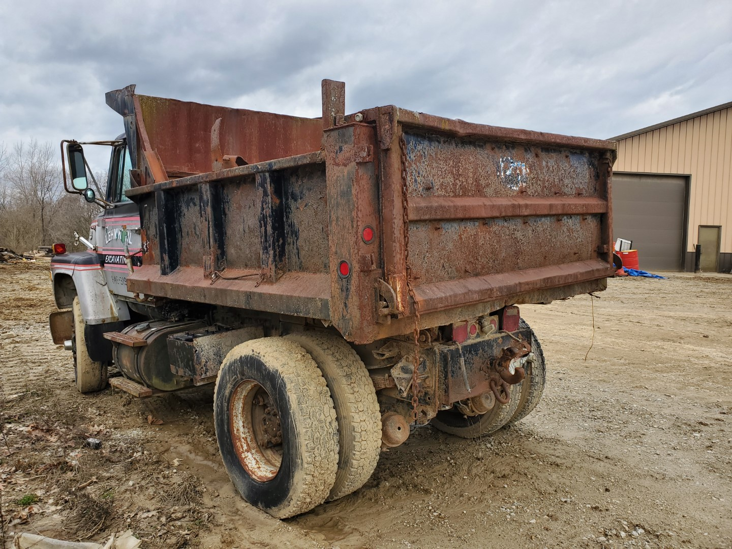 1976 Ford 8000 Single Axle Dump Truck, 9 ft Dump Bed, Manual Transmission, 2-Speed Axle, 86,500 Mile - Image 2 of 6