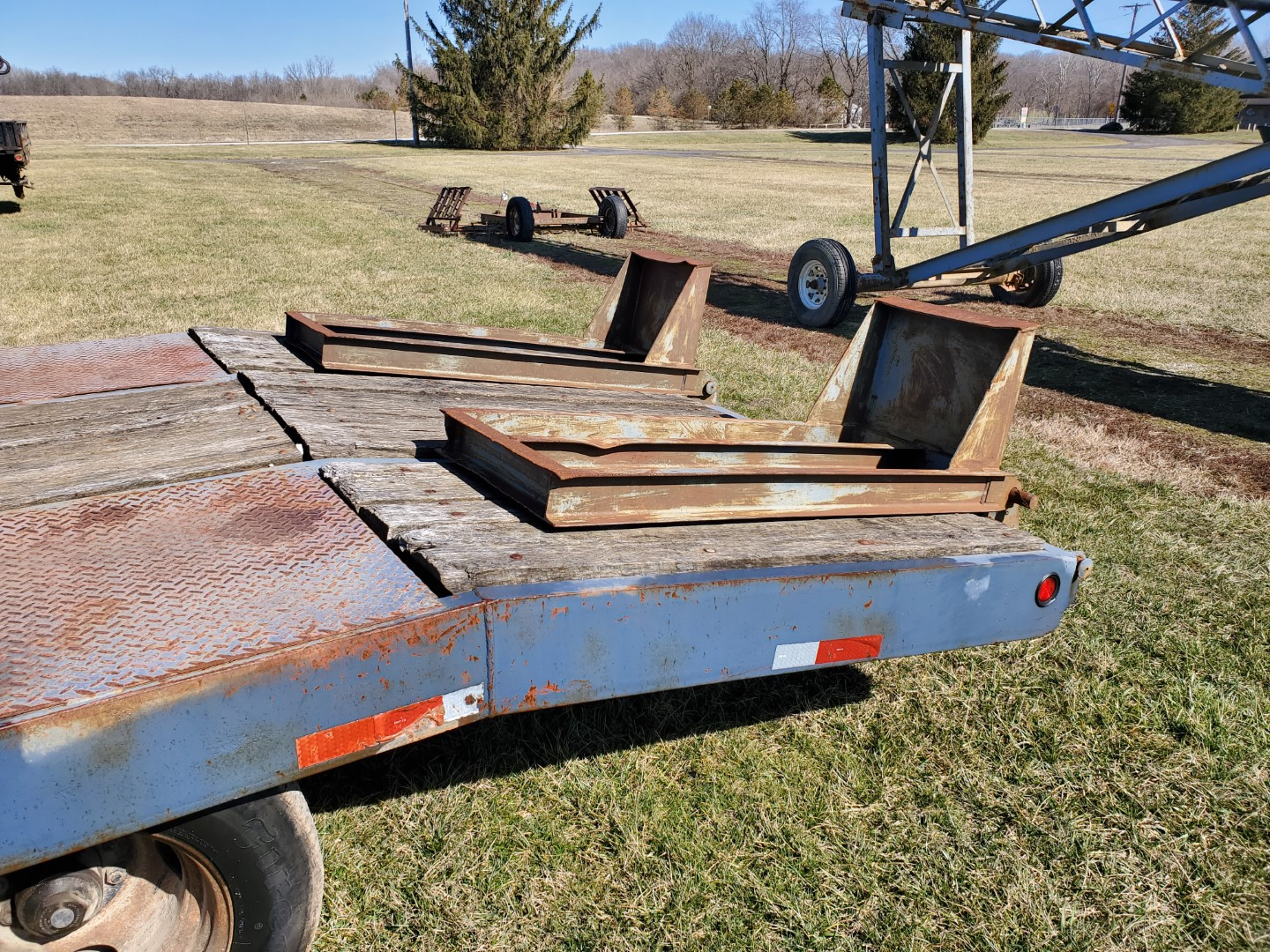 Lot 12 - Eager Beaver Model 10HA Equipment Trailer 19 ft. Main Deck w/5 ft Beaver-tail x 81 in Wide,