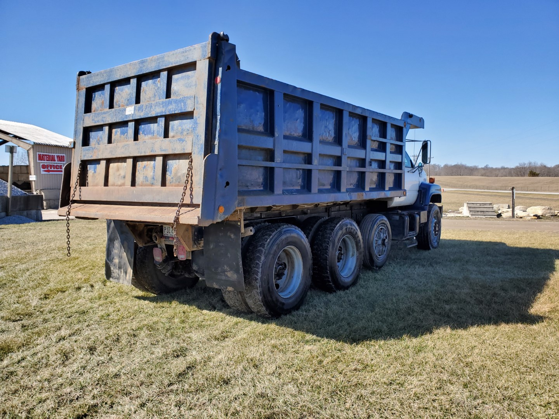 2002 GMC C 8500 16' Tri Axle Dump Truck w/ Steerable Lift Axle, Auto, Cat C7, 16' Steel Dump Bed - Image 12 of 26