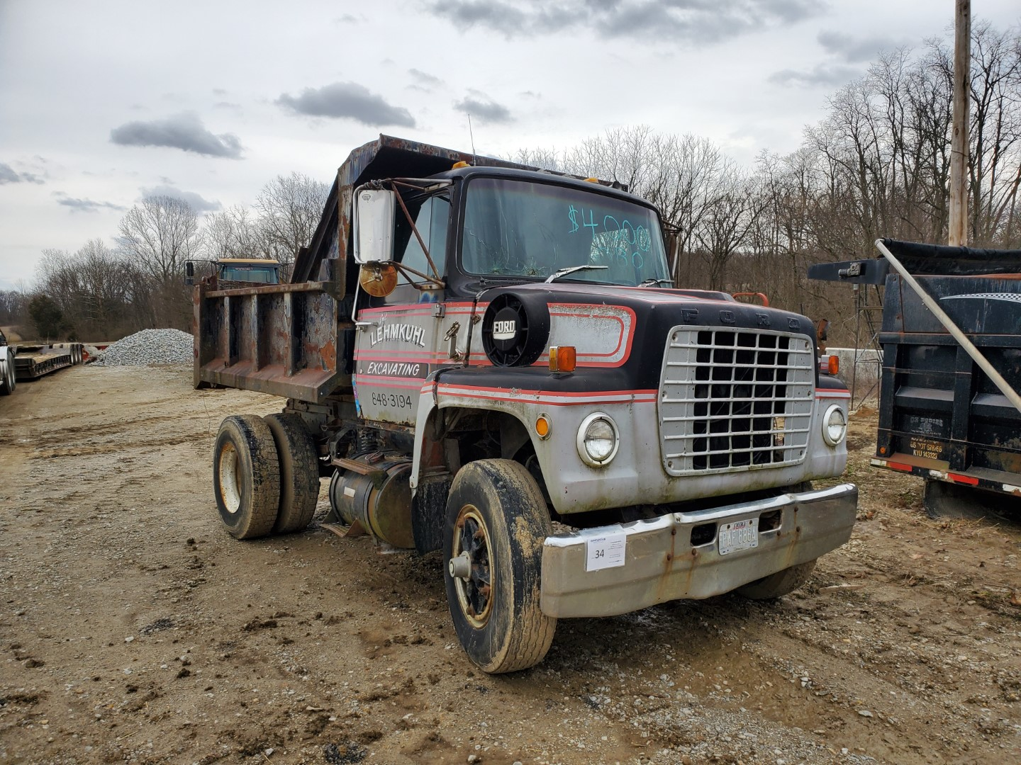 1976 Ford 8000 Single Axle Dump Truck, 9 ft Dump Bed, Manual Transmission, 2-Speed Axle, 86,500 Mile