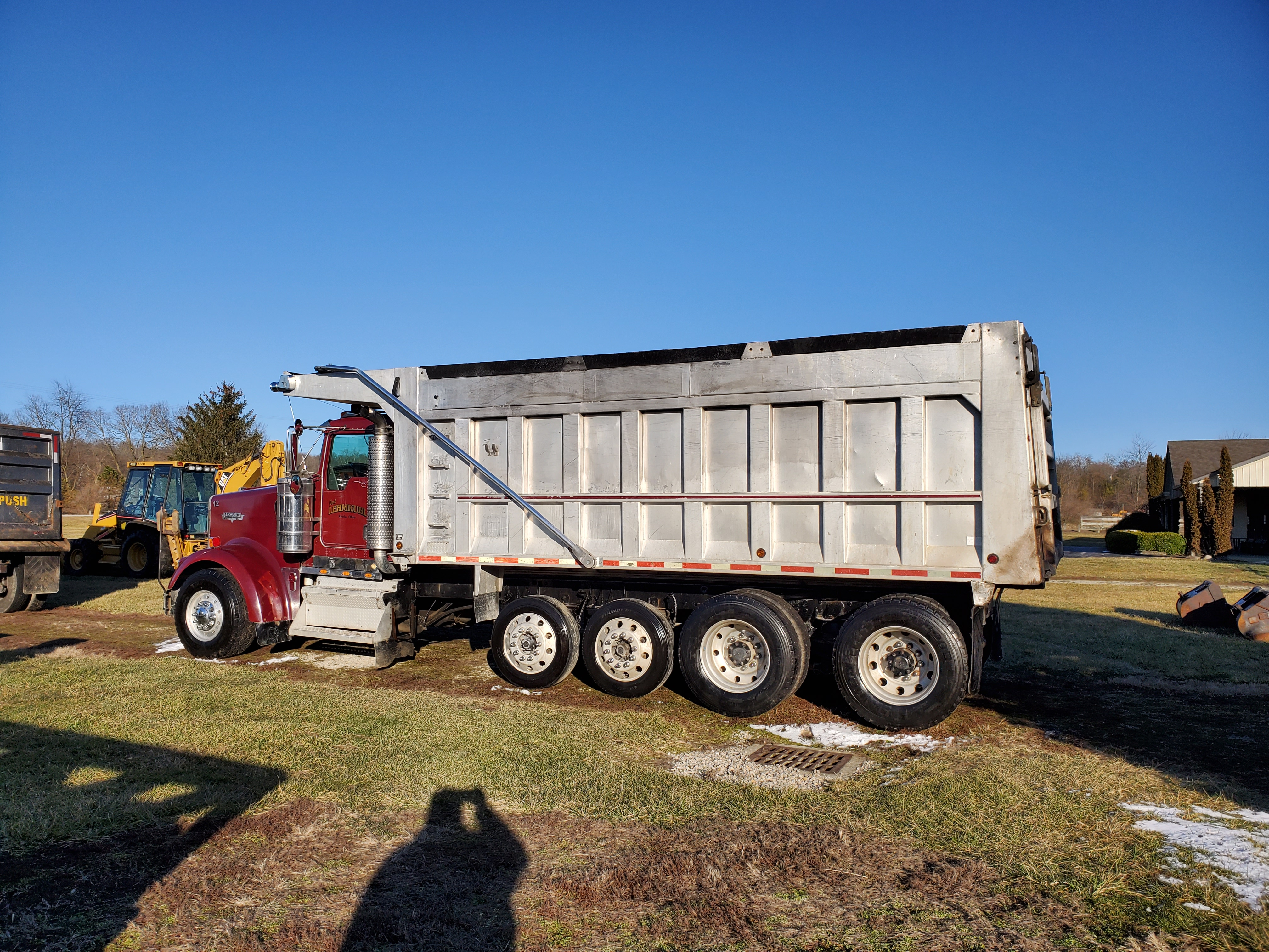 Lot 31 - 2003 Kenworth W900 8 x 4 Dump Truck, ISX-500 Engine, 500 HP, 18-Sp Transmission, Chalmers 800 Susp.