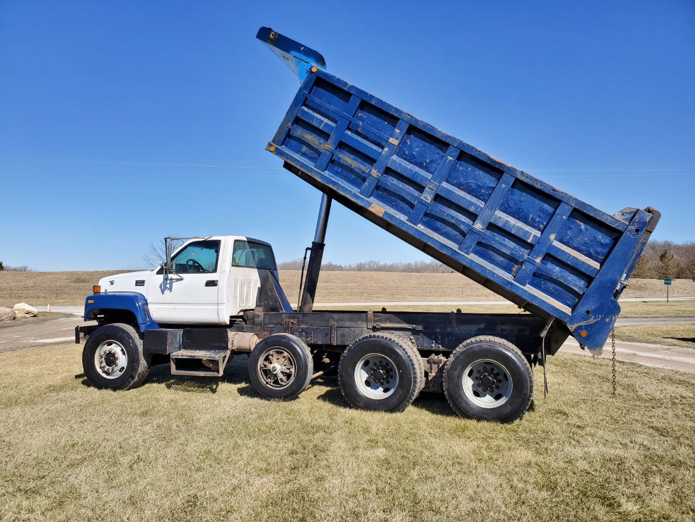 2002 GMC C 8500 16' Tri Axle Dump Truck w/ Steerable Lift Axle, Auto, Cat C7, 16' Steel Dump Bed - Image 21 of 26