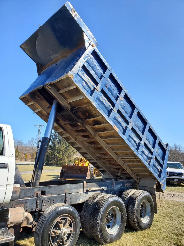 2002 GMC C 8500 16' Tri Axle Dump Truck w/ Steerable Lift Axle, Auto, Cat C7, 16' Steel Dump Bed - Image 26 of 26