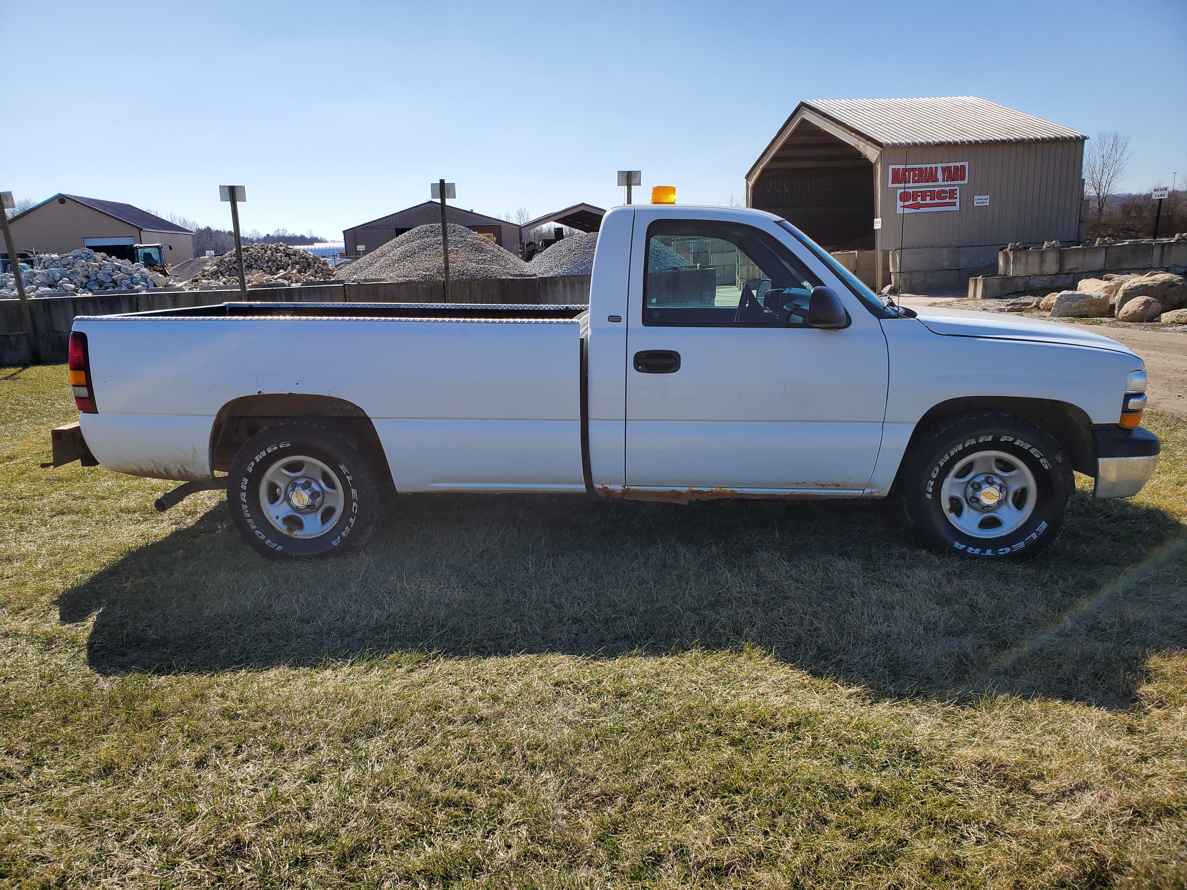 2001 Chevrolet 1500 Silverado 1500, 8 ft. Bed, 4.3 Liter Gasoline Engine, Automatic, 137,712 Miles - Image 4 of 17