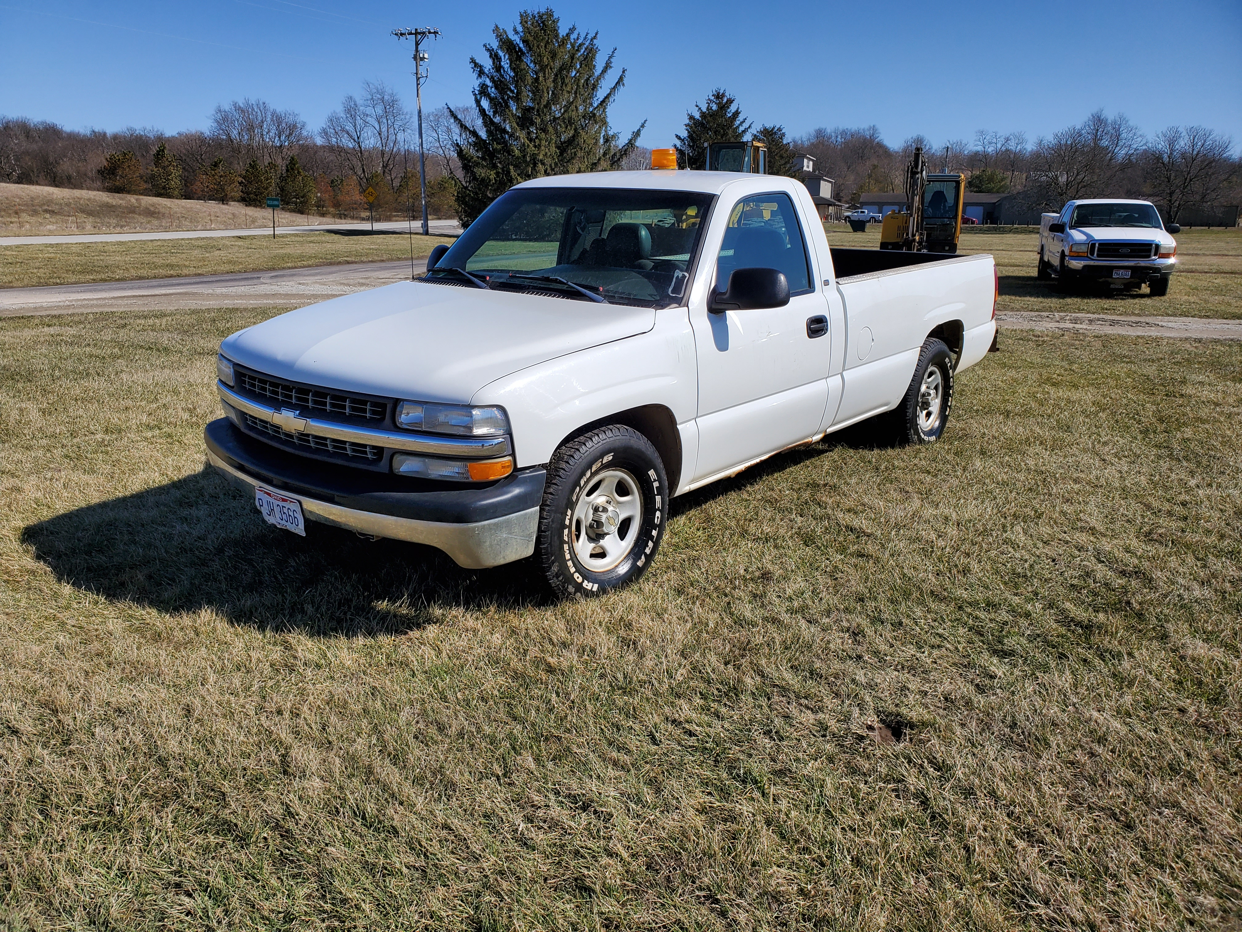 2001 Chevrolet 1500 Silverado 1500, 8 ft. Bed, 4.3 Liter Gasoline Engine, Automatic, 137,712 Miles - Image 2 of 17
