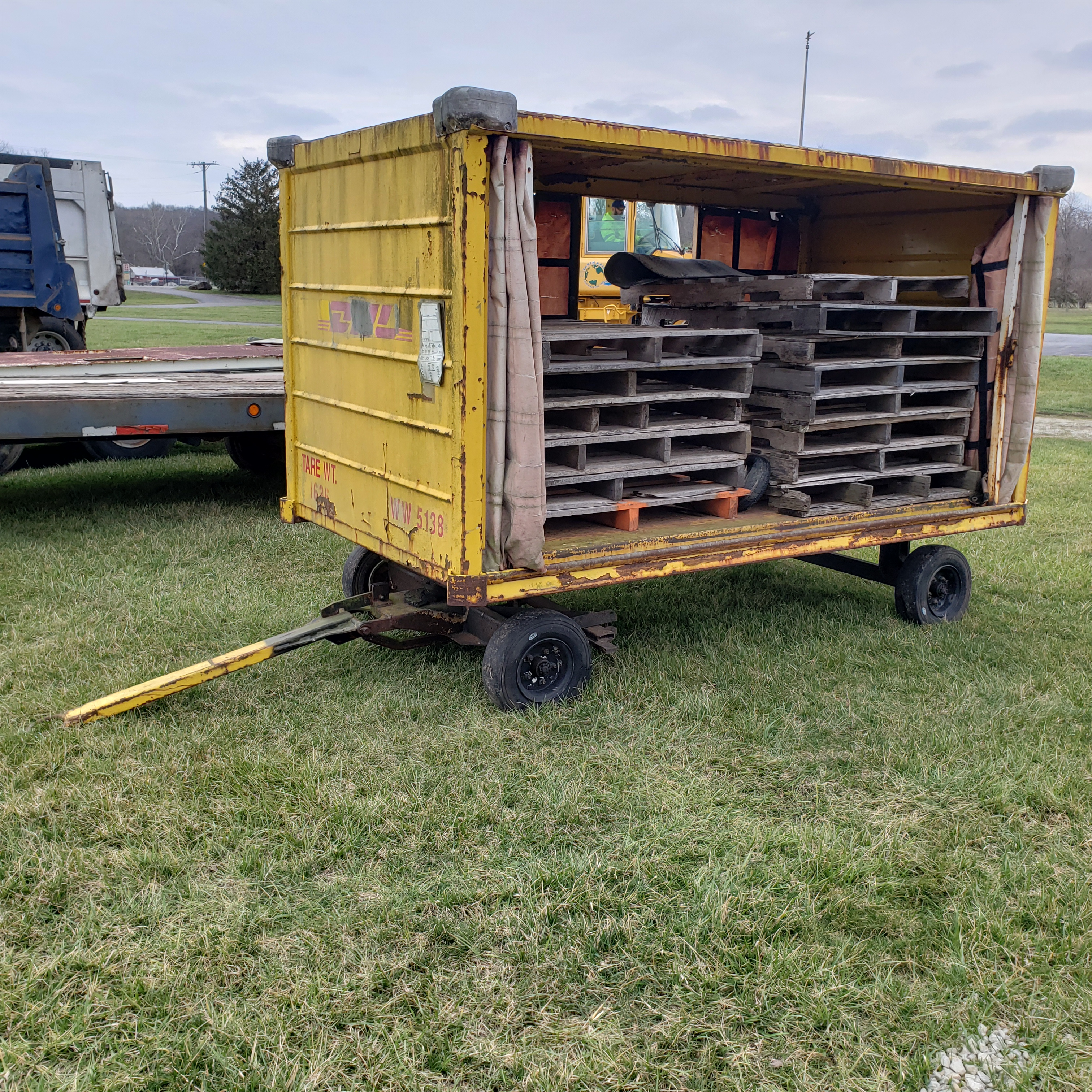 Lot 9 - Enclosed 4 Wheel Baggage Type Trailer, 60 in Wide, 9 ft 6 in Long, 58 in High, Hard Tires