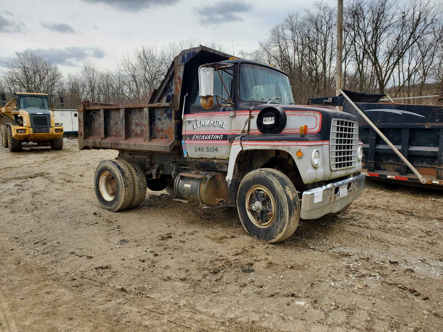 1976 Ford 8000 Single Axle Dump Truck, 9 ft Dump Bed, Manual Transmission, 2-Speed Axle, 86,500 Mile - Image 4 of 6