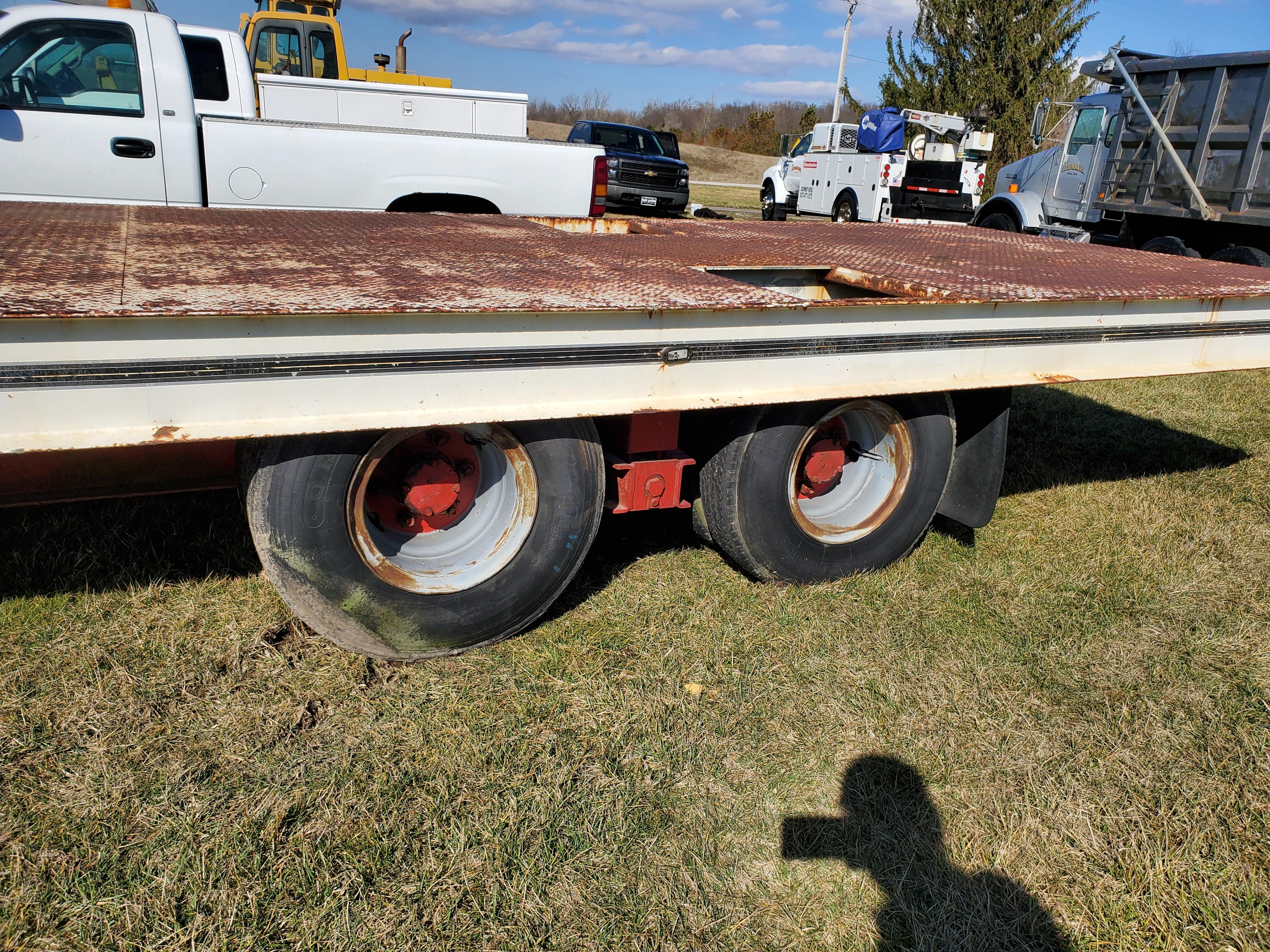 Miller Tilt Top Trailer Model OTG, s/n 8816, 22 ft. Long x 8 ft. Wide, Tandem Axle w/ Dual Wheels - Image 3 of 7