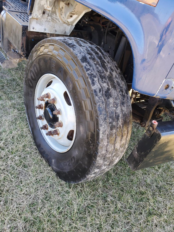 2002 GMC C 8500 16' Tri Axle Dump Truck w/ Steerable Lift Axle, Auto, Cat C7, 16' Steel Dump Bed - Image 6 of 26