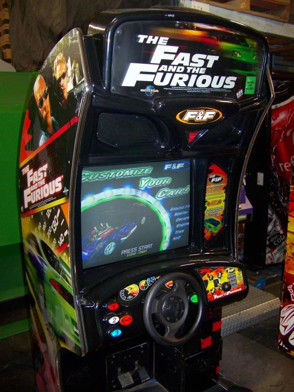 Lot 4 - FAST AND FURIOUS RACING ARCADE GAME DEDICATED