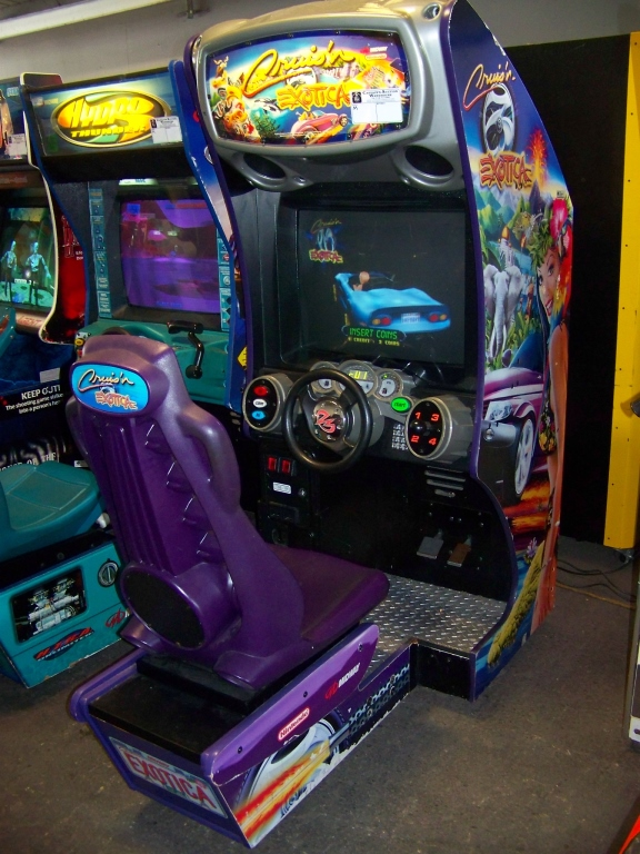 Lot 49 - CRUISIN EXOTICA SITDOWN DRIVER ARCADE GAME