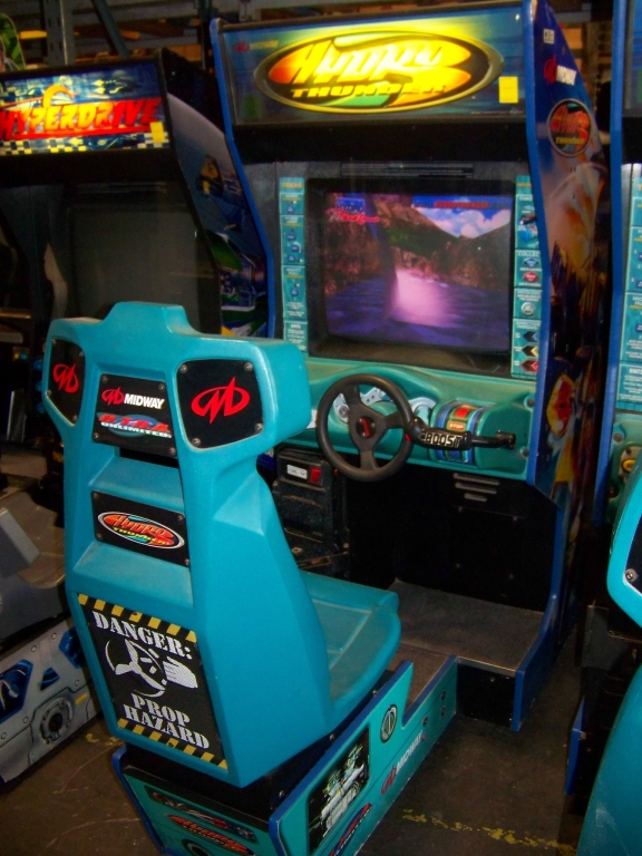 Lot 32 - HYDRO THUNDER RACING ARCADE GAME MIDWAY