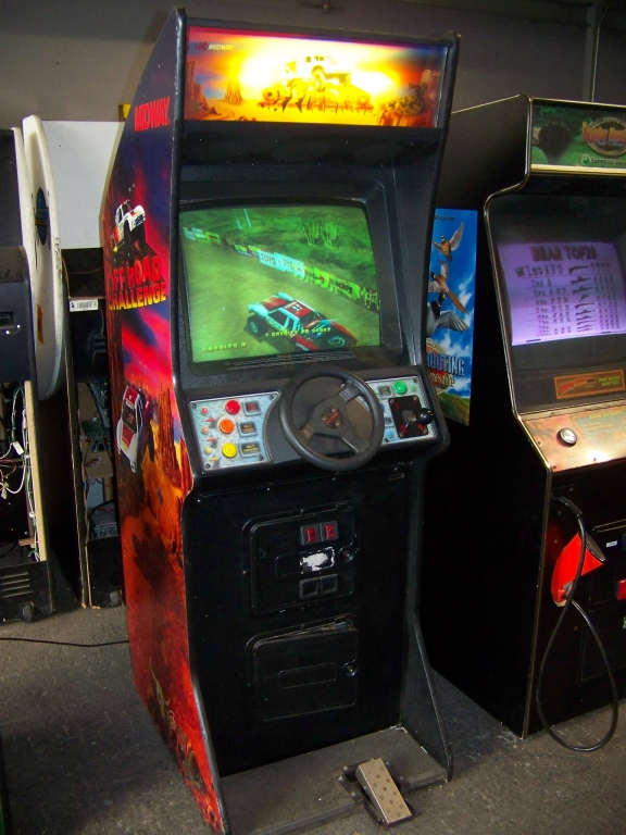 Lot 6 - OFFROAD CHALLENGE UPRIGHT DRIVER ARCADE GAME