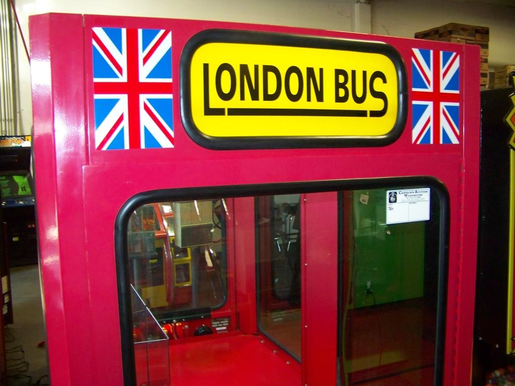 Lot 41 - LONDON PLUSH BUS ICE CLAW CRANE MACHINE