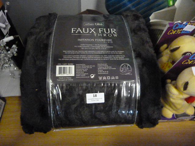 Lot 18 - *Urban Bliss Faux Fur Throw
