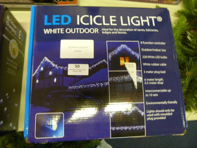 Lot 50 - *LED White Icicle RTV