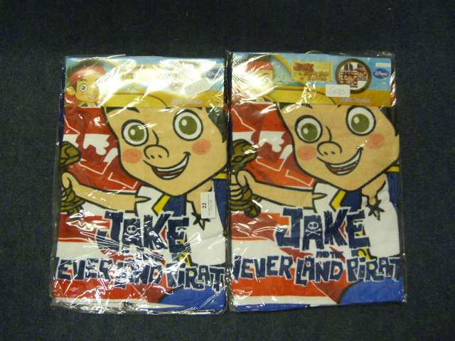 Lot 22 - *Jake & the Neverland Pirates Bath Poncho 2pk