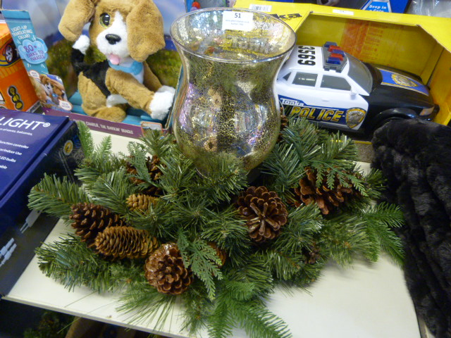 Lot 51 - *Christmas Garland with Candle Burner