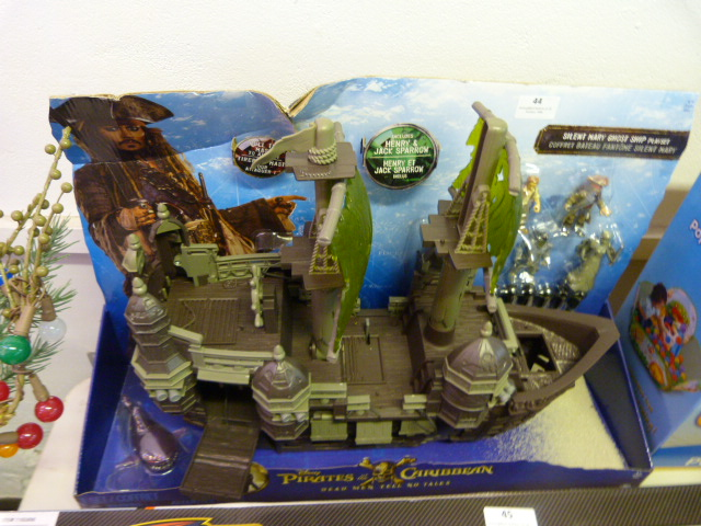 Lot 44 - *Pirates of the Caribbean Silent Mary Ghost Ship Play Set