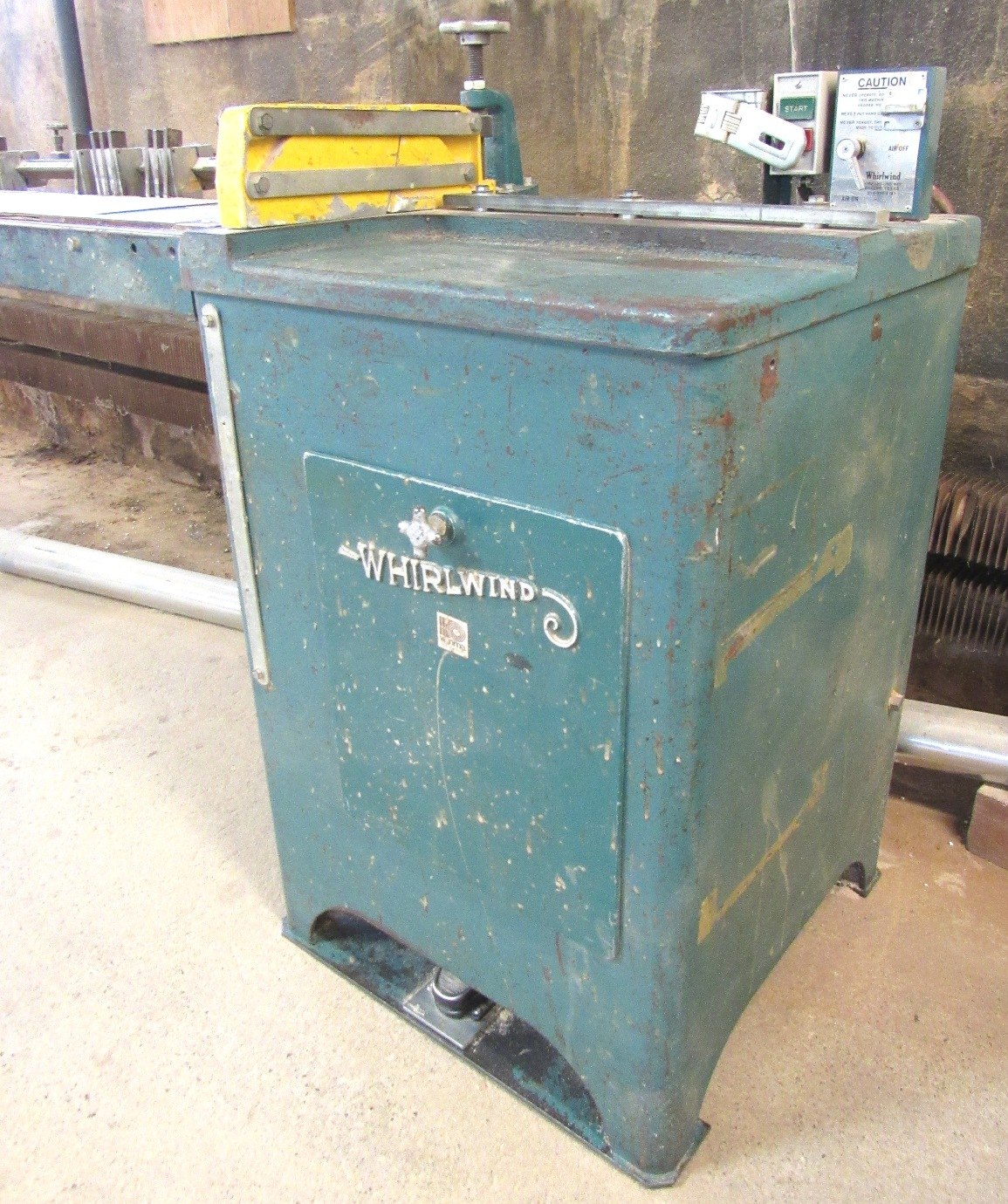 Lot 22 - Whirlwind Mod.1000L Semi-Automatic Cut Off Saw - S/N 1129S49L, Roller Infeed Table