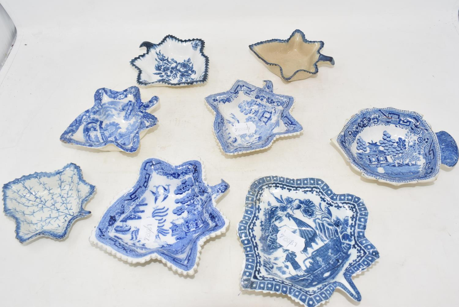 Lot 7 - A pair of Victorian pickle dishes, and twelve other pickle dishes, some chips/repairs (14)