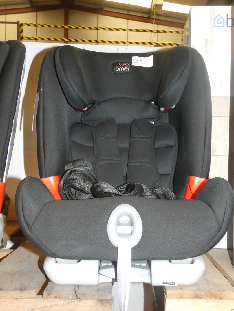Lot 3 - Britax Romer In Car Kids Safety Seat RRP £180 (817081)