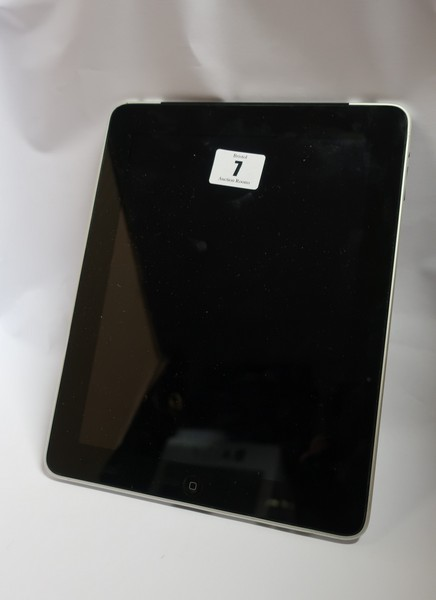 Lot 7 - An Apple iPad 1st Gen (Wi-Fi/3G/GPS) A1337 64GB (IMEI: 012223000730618) (Activation clear).