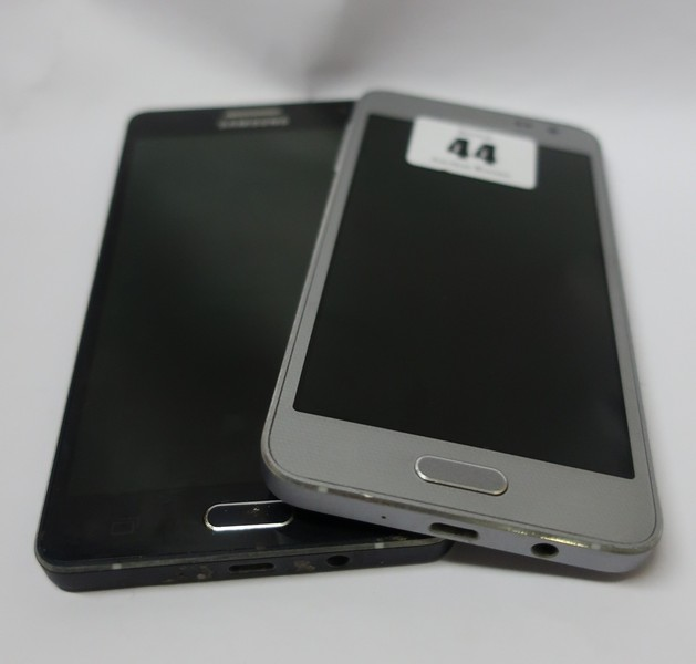 Lot 44 - A Samsung Galaxy A3 SM-A300FU 16GB (IMEI: 356570062915543) and a Samsung Galaxy A5 SM-A500FU 16GB (