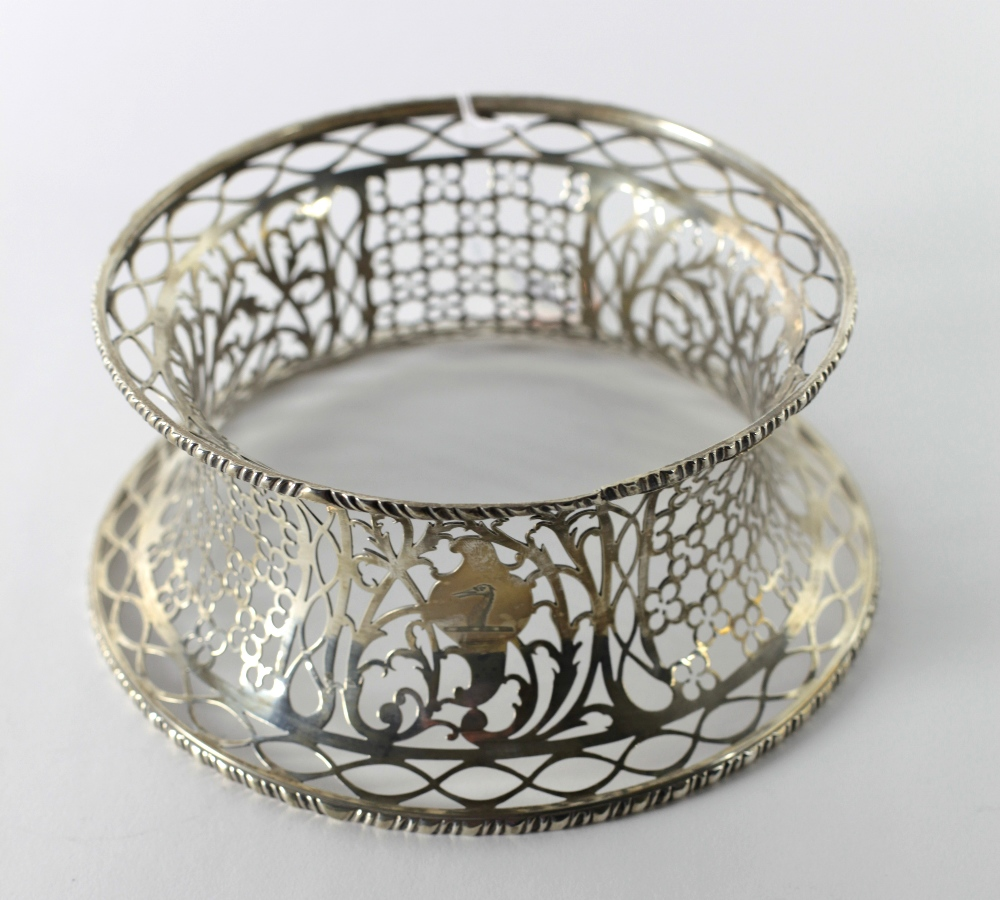 Lot 45 - An antique Irish pierced silver Dish Ring, with gadroon rims, approx.