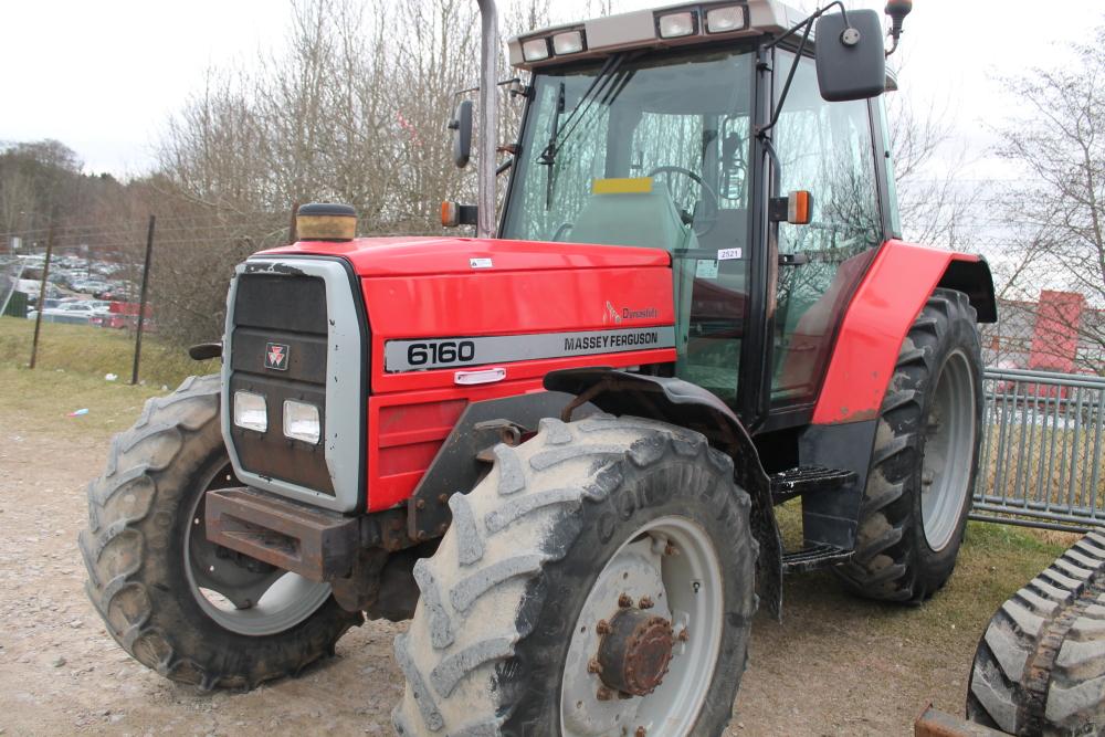 Massey Ferguson 6160 Tractor Reg No : N347XCT D F R : 05-Feb-96