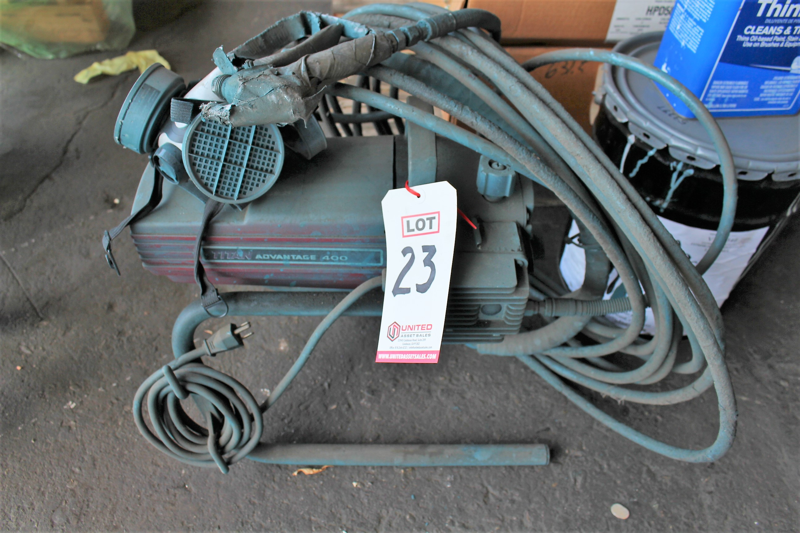 Lot 23 - ADVANTAGE AIR PAINT SPRAYING UNIT
