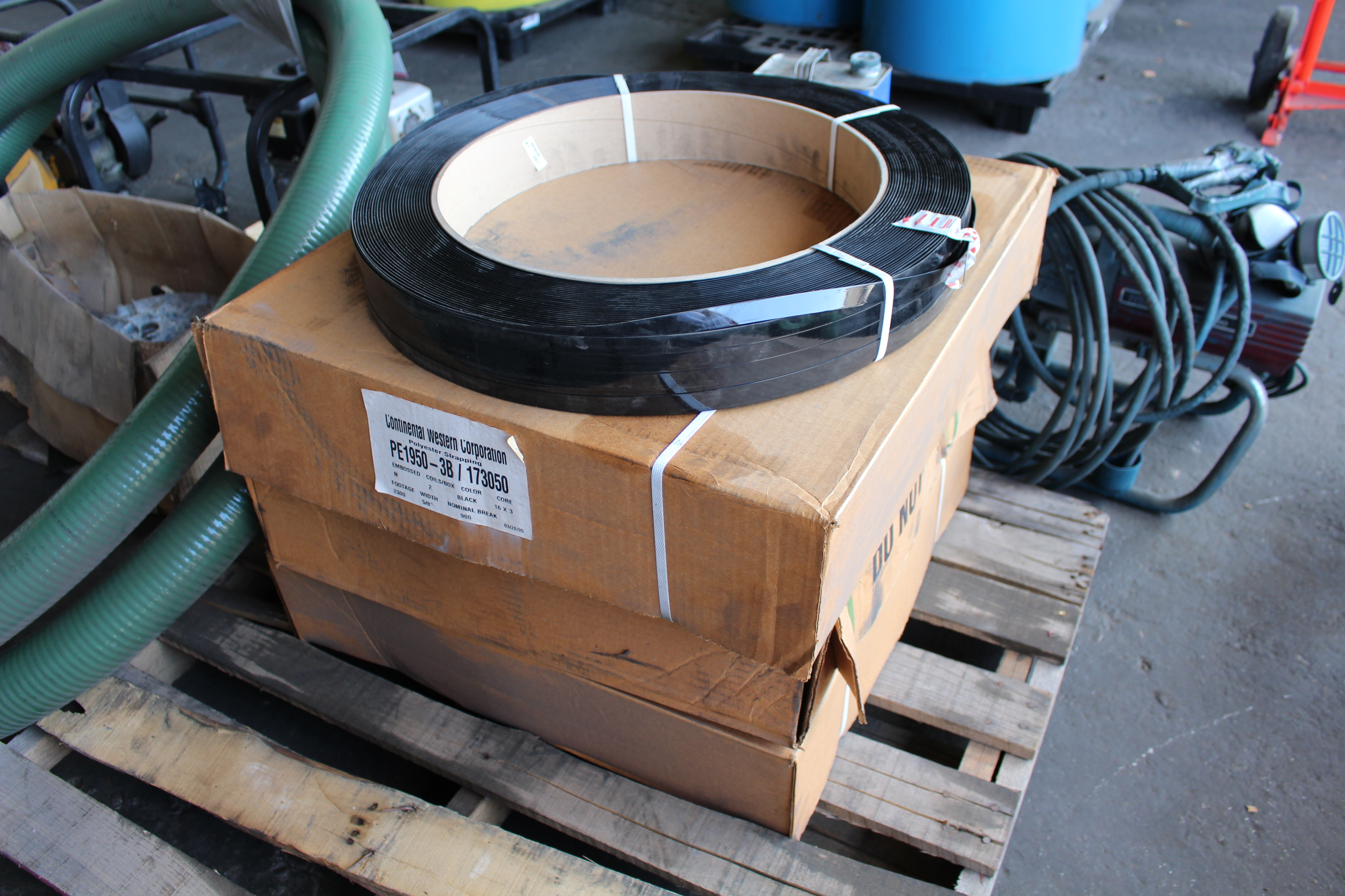 Lot 20 - SIGNODE BANDING DISPENSER W/ (4) COILS POLY STRAPPING