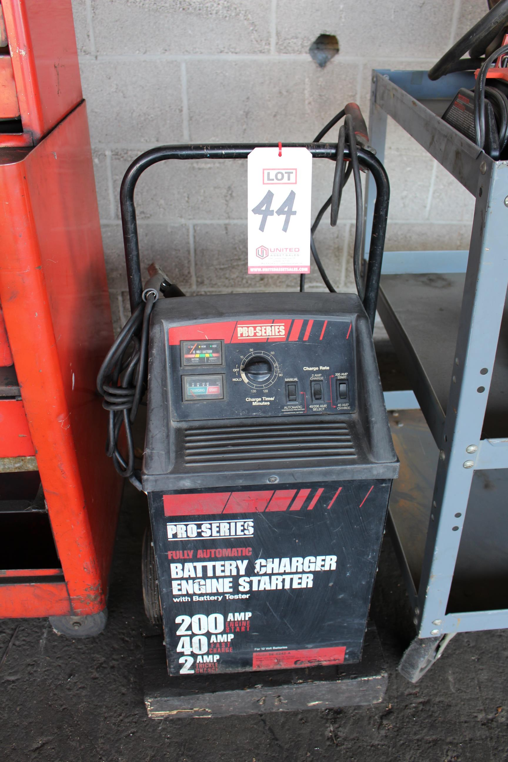 Lot 44 - PRO SERIES BATTERY CHARGER, 200 AMP