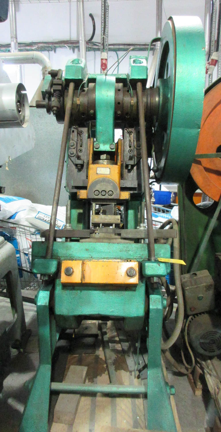 Lot 35 - MARIO DI MAIO MDL. 35V TY OPEN BACK PUNCHPRESS; INCLINEABLE; MECHANICAL CLUTCH; 110 STROKE/MIN; 35