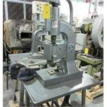 EDWARD HENRY MDL. 5 MANUAL PRESSING MACHINE EH5; MANUAL SCREWPRESS, 5 TONS, 14 CM, 10 CM VIC [A#