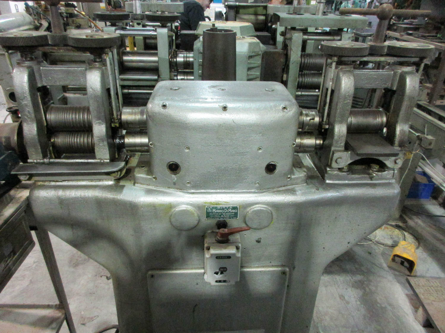 Lot 61 - MARIO DI MAIO ROLLING MILL; 380V; 3 PH, 50HZ, (2) 12CM/EA ROLLS [A#30][LOCATED IN Kiryat Malachi]
