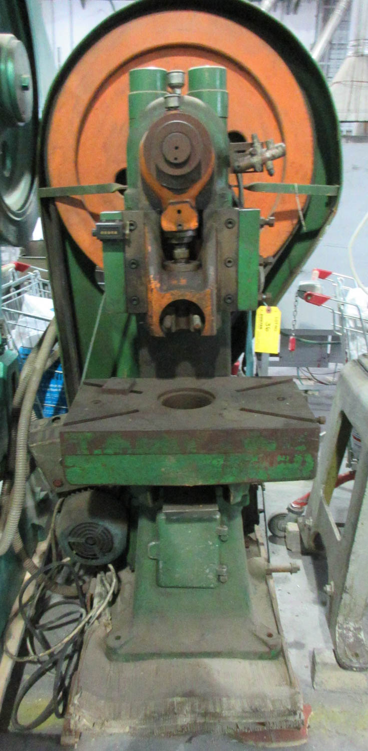 HACCARA FLYWHEEL PRESS; MECHANICAL CLUTCH; BELT DRIVE; 30 TONS; 54X32 T-SLOT TABLE; 16 CM OPEN