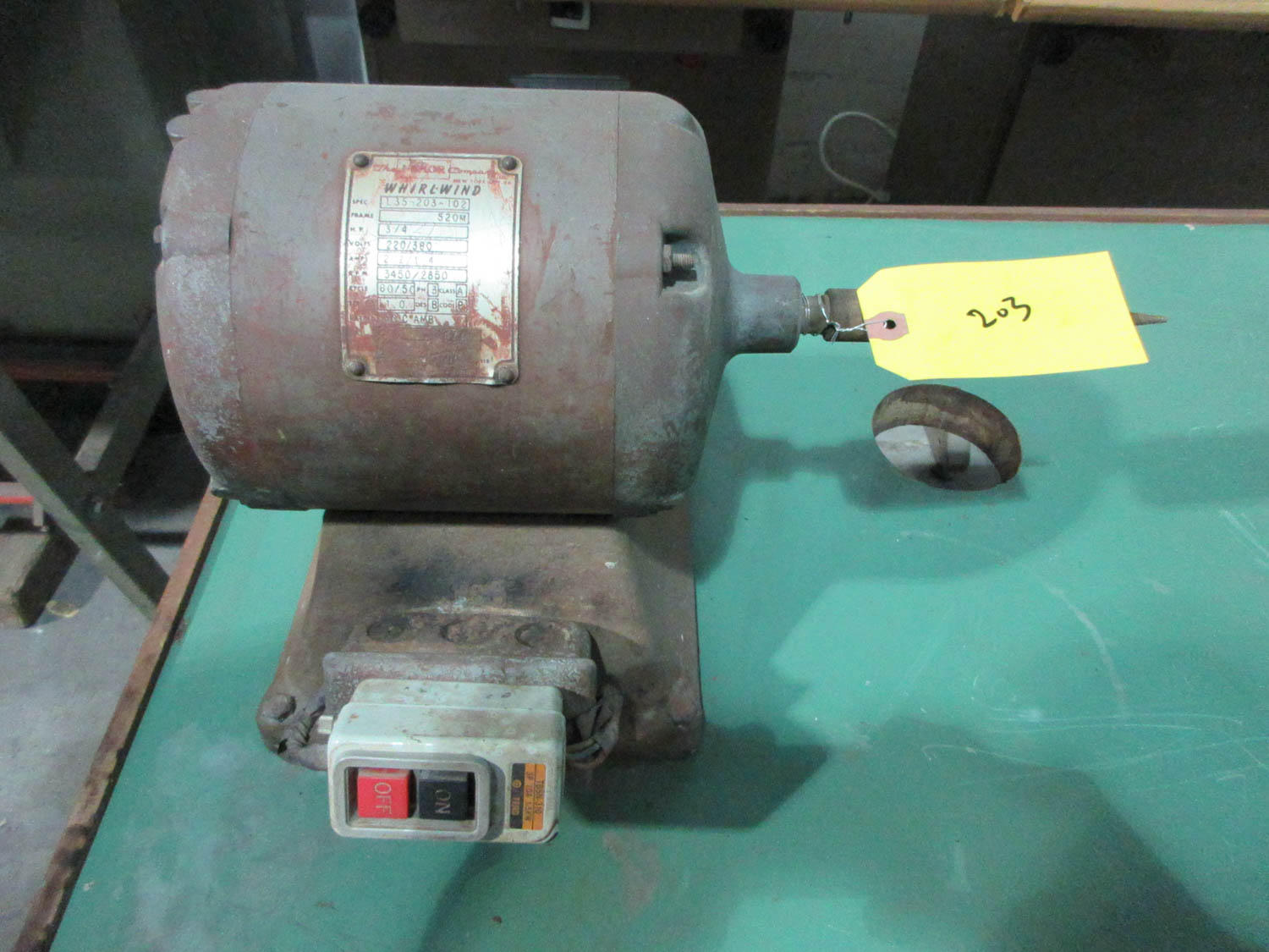 MDL. L35-203-102 SCHLEIF CUSTOM GRINDER WITH MANDREL WITH WHIRLWIND MOTOR; 3/4 HORSEPOWER; RPM - Image 2 of 2