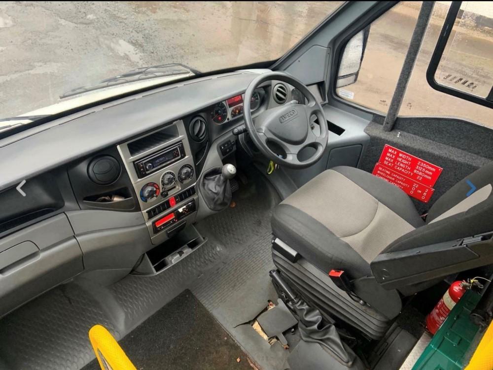 12 reg IRIS DAILY 65C17 MELLOR 11 SEAT BUS (LOCATION DUMFRIES) 1ST REG 05/12, 131454KM [+ VAT] - Image 6 of 6