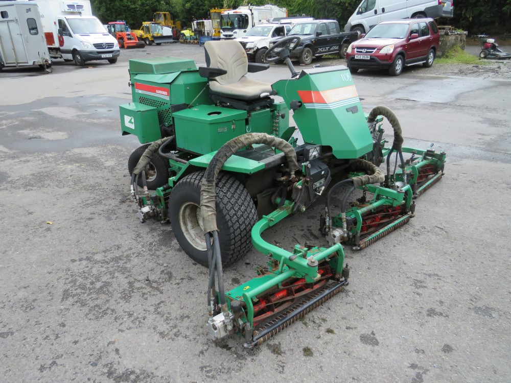 RANSOMES FAIRWAY 300 5 GANG RIDE ON MOWER, 6464 HOURS [+ VAT] - Image 2 of 6