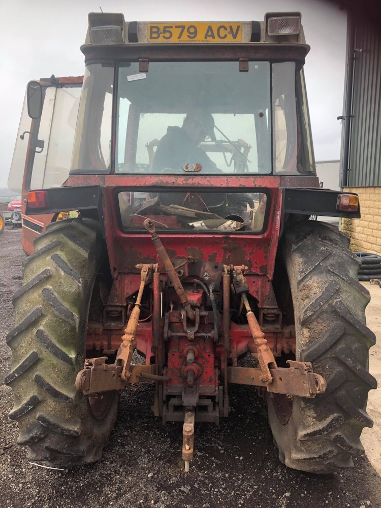 B reg INTERNATIONAL 785XL TRACTOR C/W POWER LOADER (LOCATION SHEFFIELD) NO V5 (RING FOR COLLECTION - Image 6 of 6