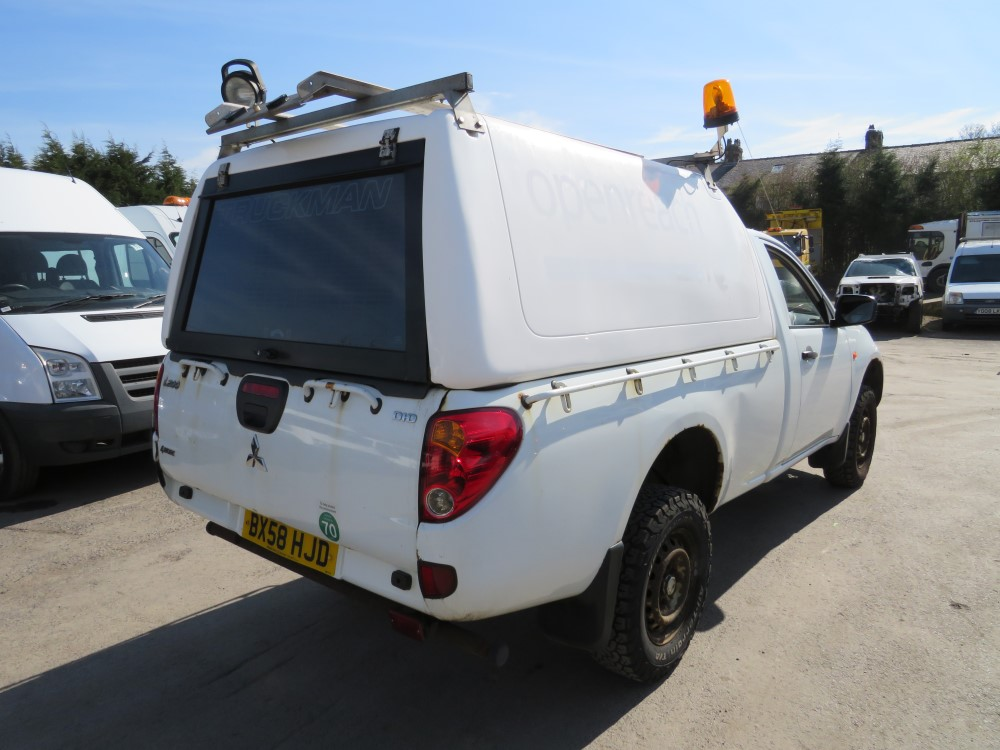 58 reg MITSUBISHI L200 4WORK S/C PICKUP, 1ST REG 09/08, 155379M WARRANTED, V5 HERE, 1 OWNER FROM NEW - Image 4 of 6