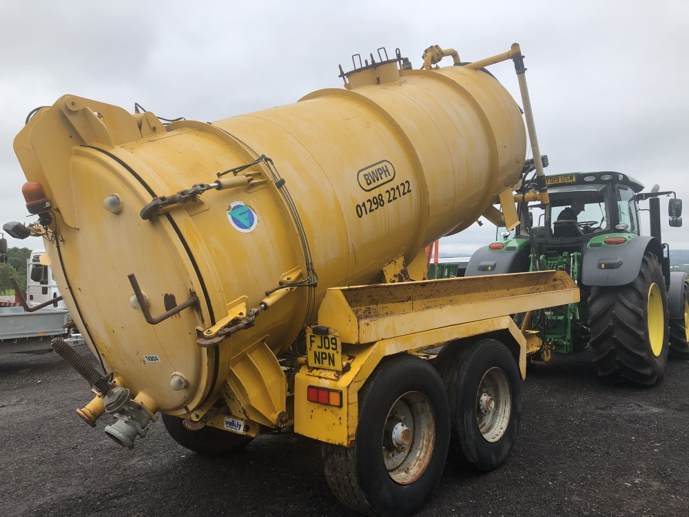 VALLELY 2500 GALLON VAC TANK (LOCATION SHEFFIELD) FULL HYD REAR (RING FOR COLLECTION DETAILS [+ VAT] - Image 3 of 8