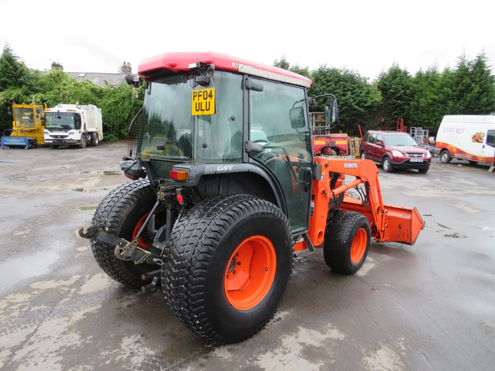 04 reg KUBOTA L5030 TRACTOR (DIRECT COUNCIL) 1ST REG 07/04, 8597 HOURS, V5 HERE, 1 OWNER FROM NEW [+ - Image 3 of 5