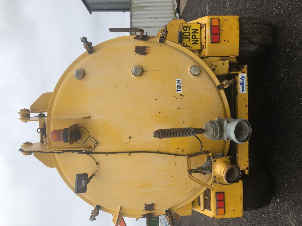 VALLELY 2500 GALLON VAC TANK (LOCATION SHEFFIELD) FULL HYD REAR (RING FOR COLLECTION DETAILS [+ VAT] - Image 6 of 8
