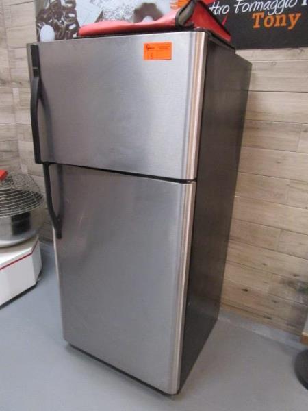Kenmore Stainless Steel & Black Enamel Refrigerator, Made 2007, Model: 253-6482340E, SN: BA74023935