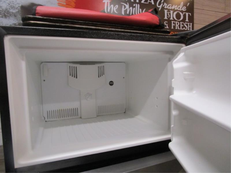 Kenmore Stainless Steel & Black Enamel Refrigerator, Made 2007, Model: 253-6482340E, SN: BA74023935 - Image 3 of 4